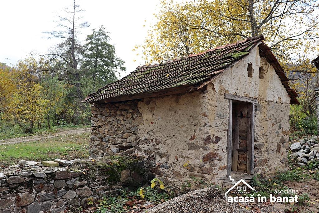 Morile de apă din Șopotu Vechi. Moara Băltonița din Sopotu Vechi